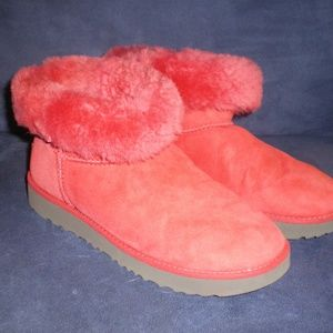 DARLING RED LOW UGG BOOTS FLEECE LINED sz 6M